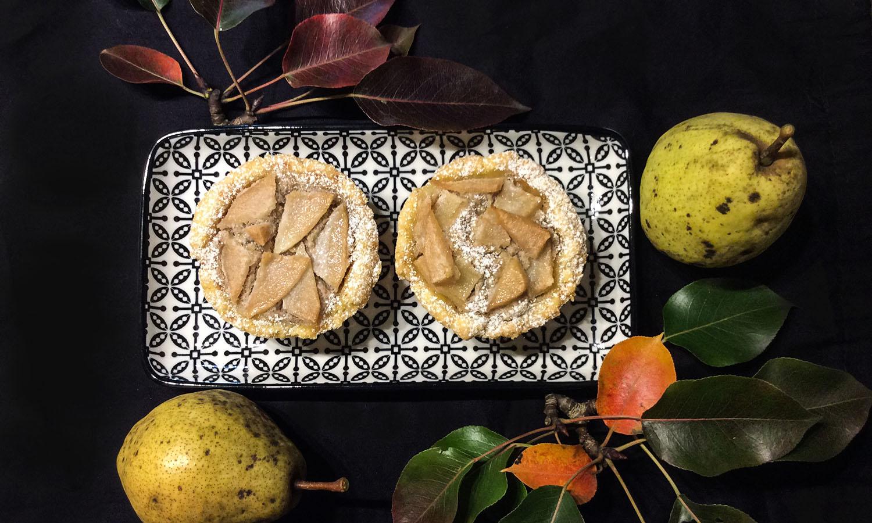 Mini tart s orasima i kruškama