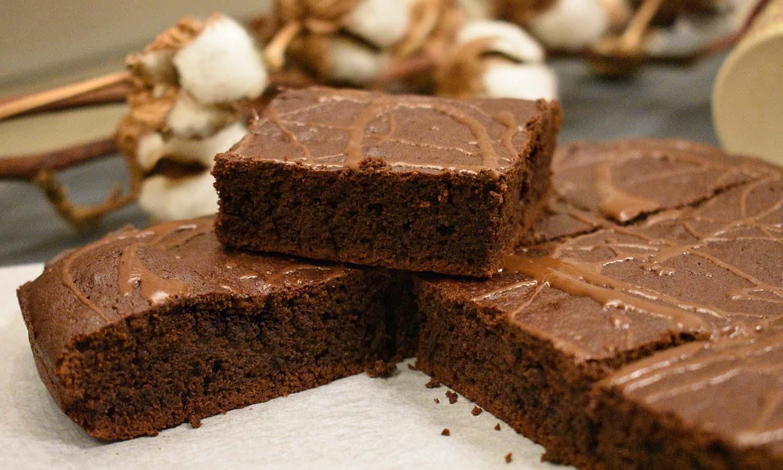Brownie s pekmezom od marelice